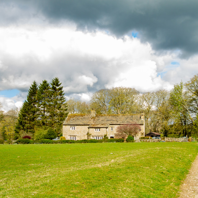 """""""Farmhouse on Woodhouse Lane, next to Dalesway Footpath, Burnsall, Yorkshire."""" stock image"""