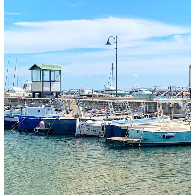 """""""Porto per piccole barche di pescatori"""" stock image"""