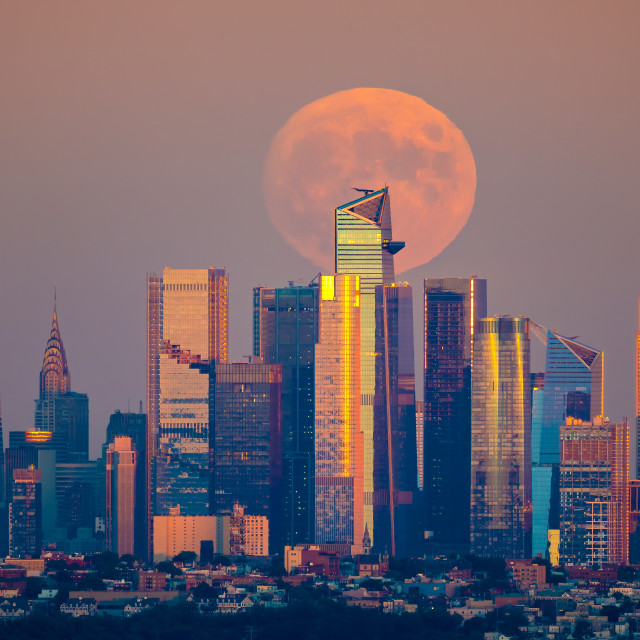 """""""Harvest Moon Over NYC"""" stock image"""