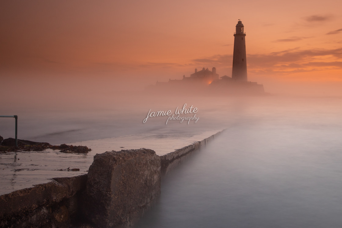 """""""Misty dawn at St. Mary's Lighthouse"""" stock image"""