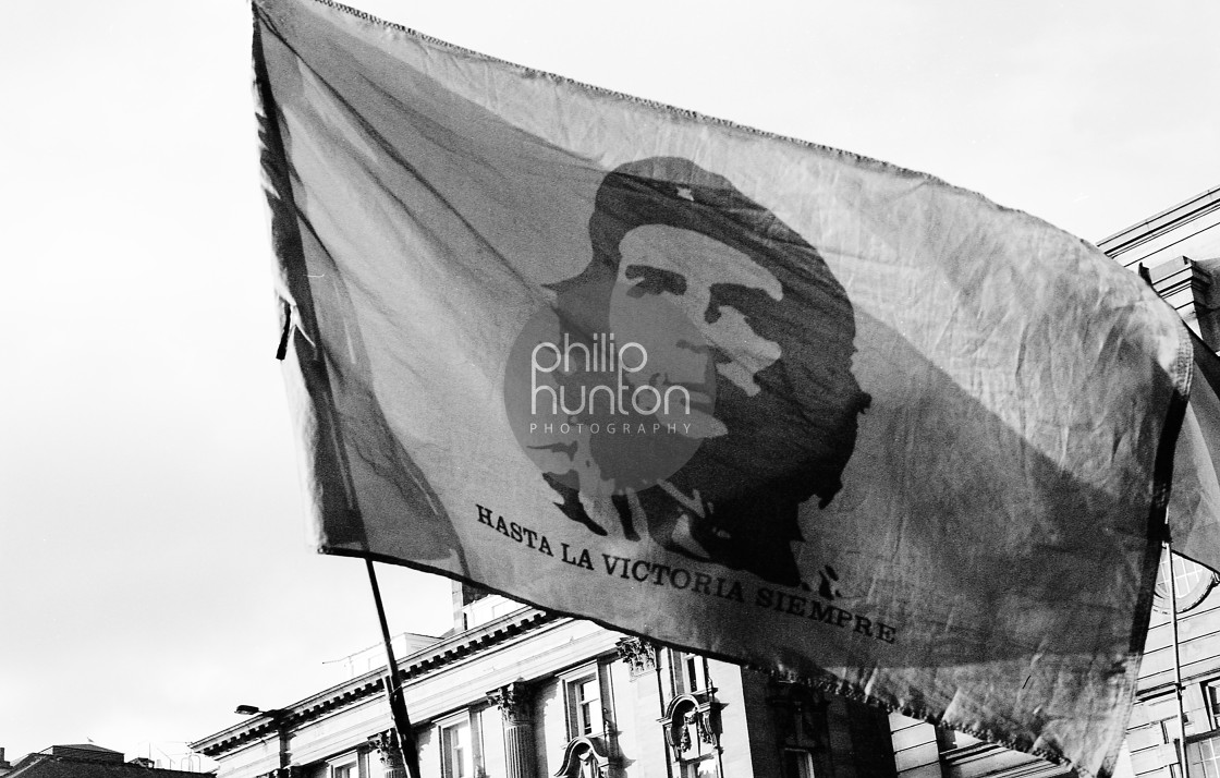 """""""A Che Guevara Flag being waved in Newcastle Demo"""" stock image"""
