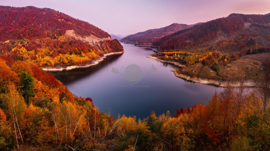 """""""Siriu Dam"""" stock image"""