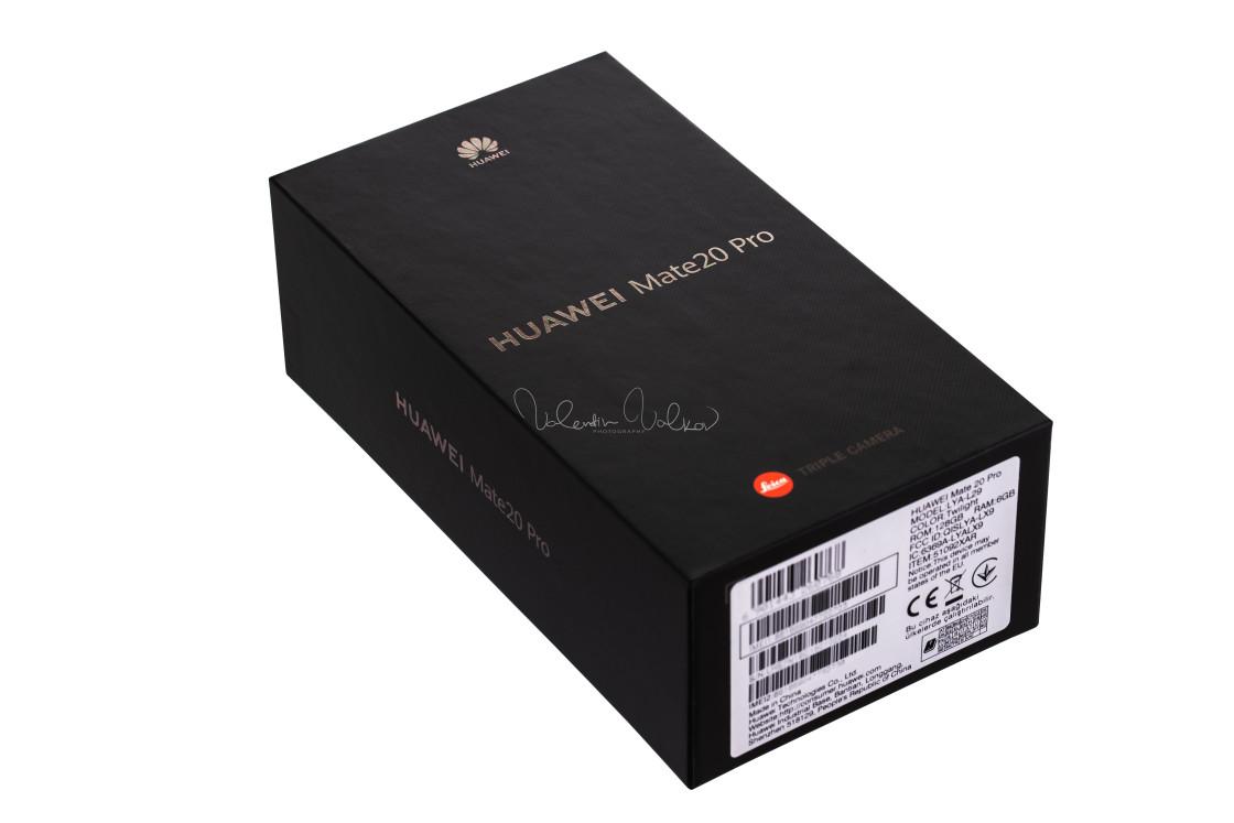 """HUAWEI Mate 20 Pro Twilight smartphone Cardboard box"" stock image"