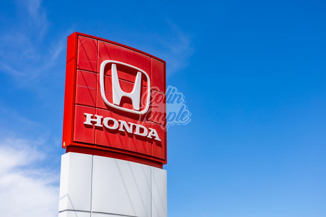 """""""Honda logo sign at a car dealership in Ottawa"""" stock image"""