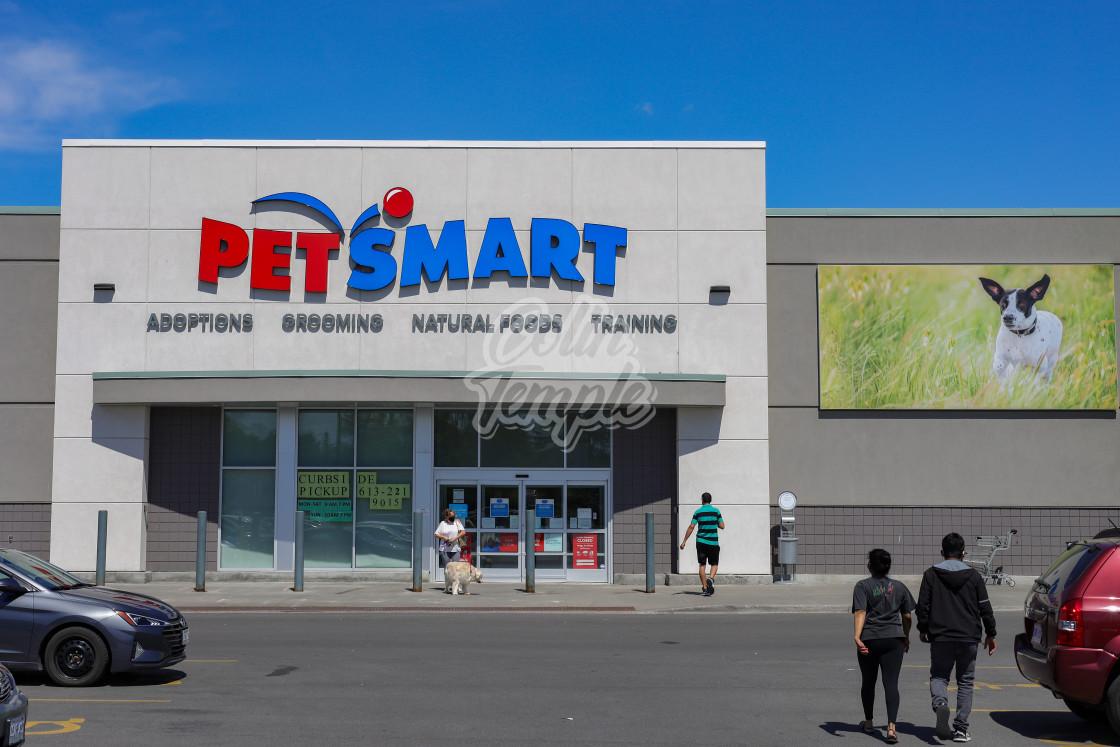 """PetSmart retail pet store in Ottawa"" stock image"