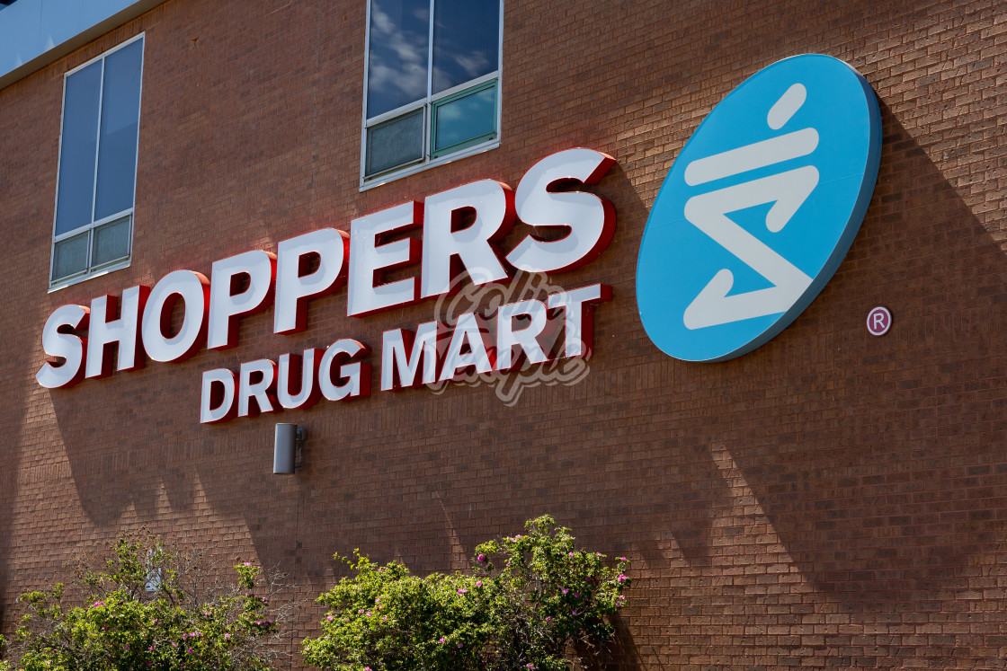"""""""Shoppers Drug Mart logo on a wall in Ottawa, Ontario"""" stock image"""