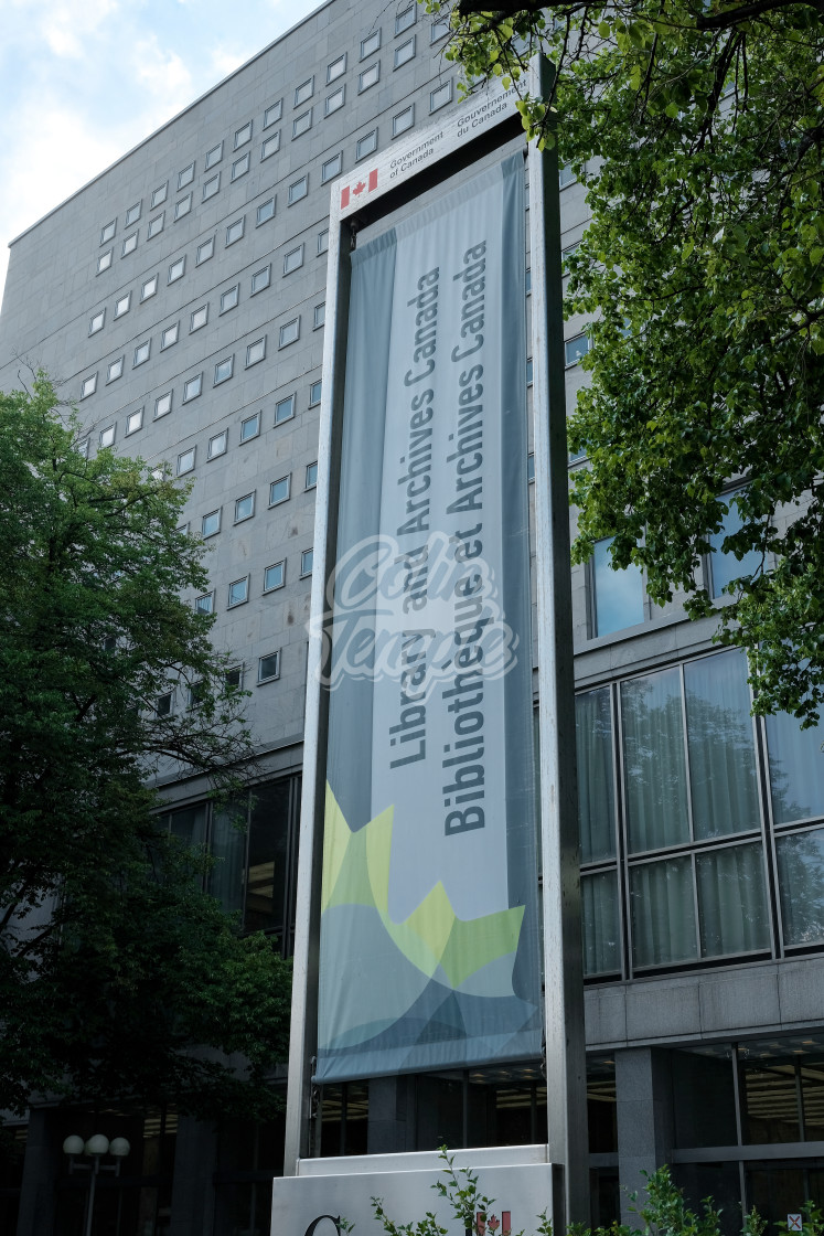 """""""Library and Archives Canada building and banner"""" stock image"""