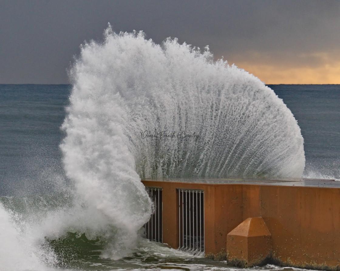 """WAVE ART"" stock image"