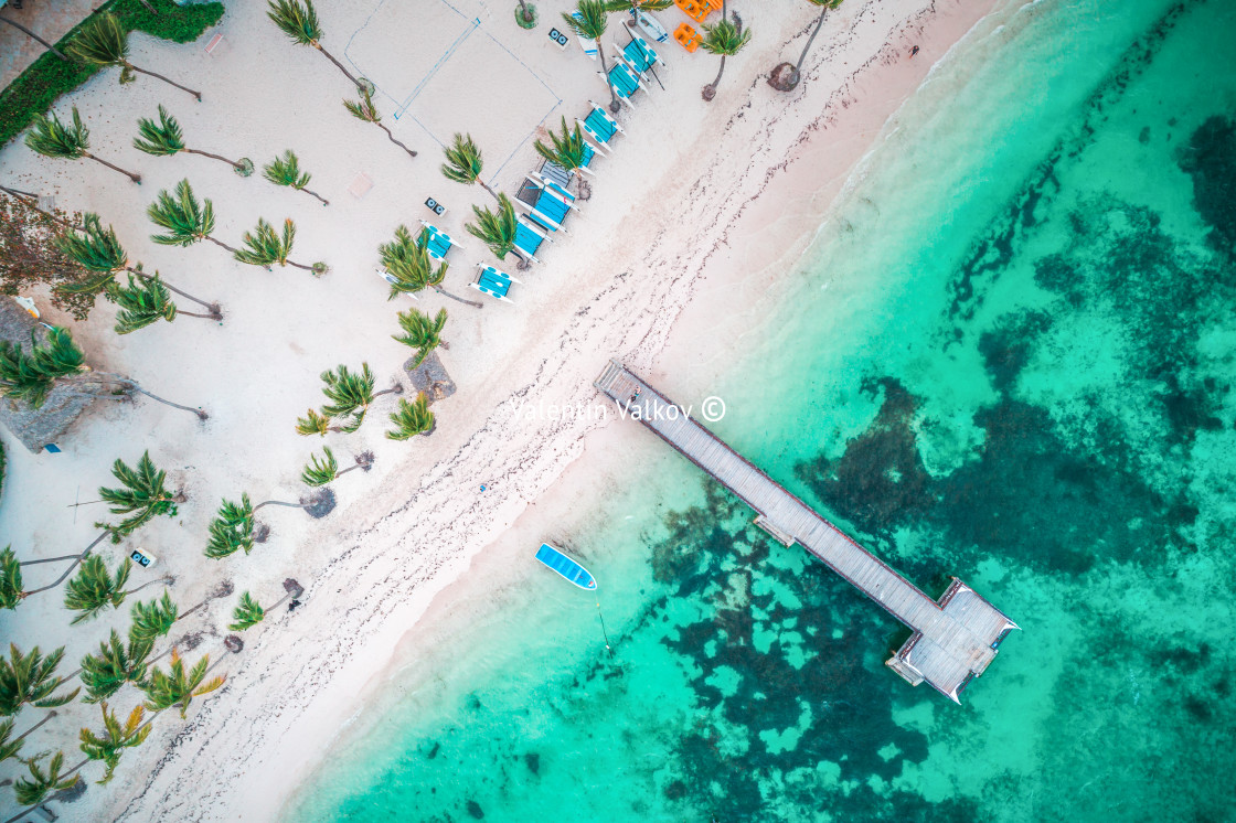 """""""Aerial view of tropical wooden pier and turquoise caribbean sea"""" stock image"""