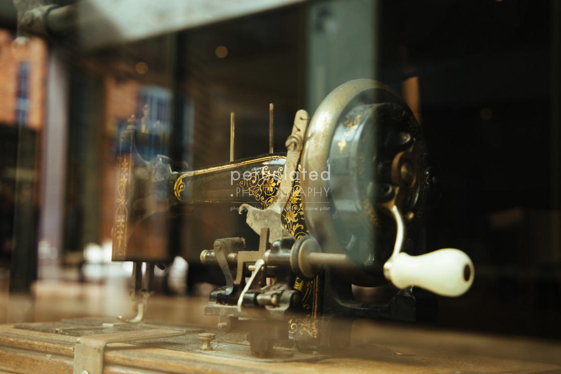"""""""Vintage singer Sewing Machine"""" stock image"""