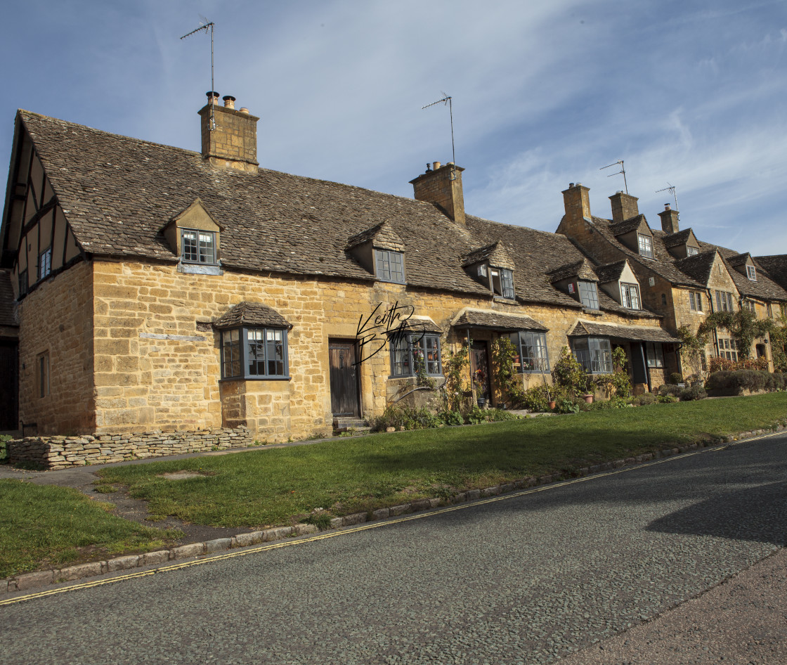 """Row of houses Broadway, Cotswolds"" stock image"