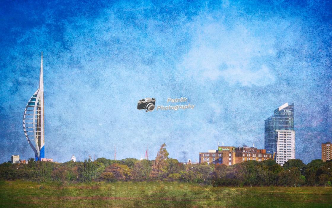 """The Portsmouth Spinnaker Tower & Brasserie Blanc"" stock image"