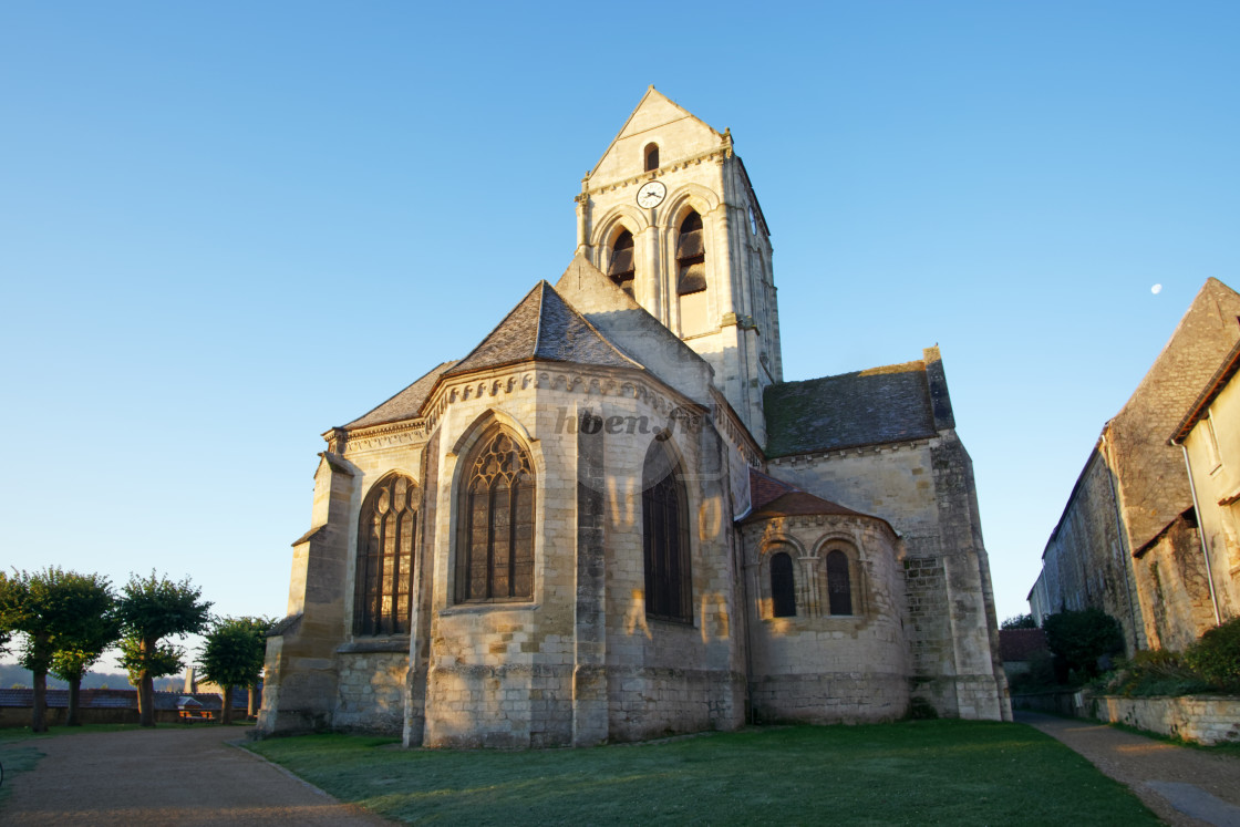 """""""Auvers sur Oise church"""" stock image"""