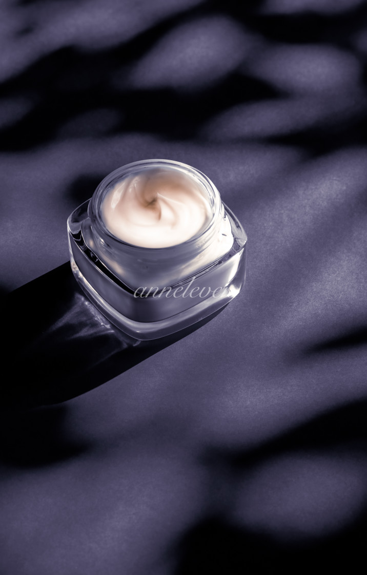 """Moisturizing beauty face cream for sensitive skin, luxury spa cosmetic and..."" stock image"