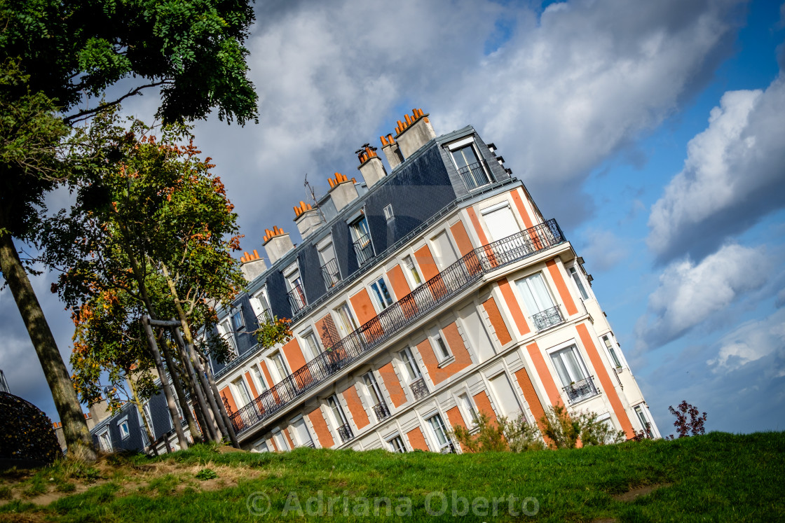 """""""Crooked - a house in Montmartre"""" stock image"""