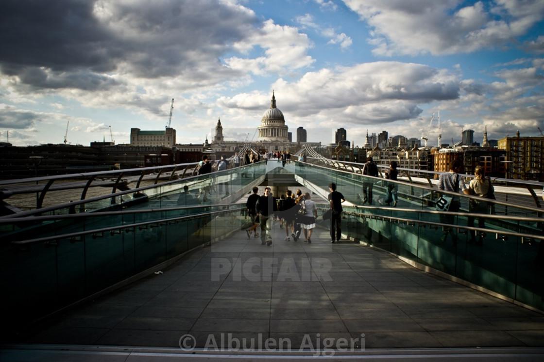 """""""Millenium Bridge"""" stock image"""