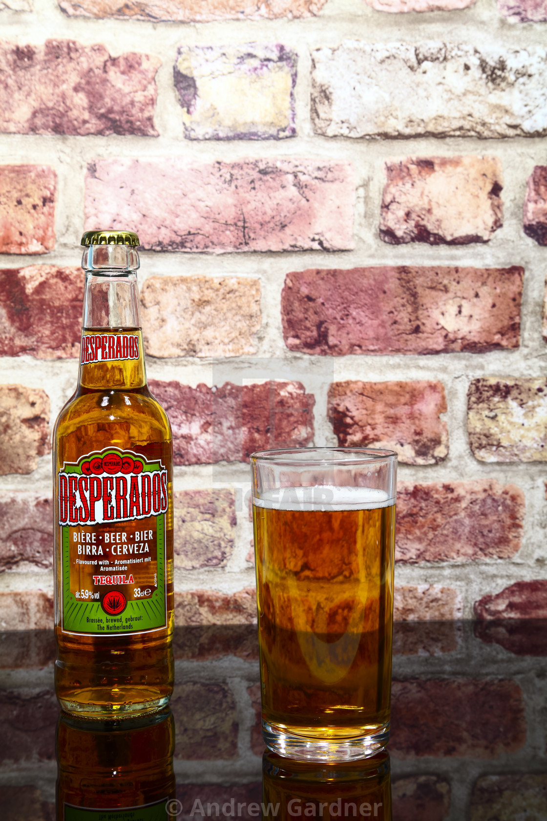 Bottle And Glass Of Desperados Tequila Flavoured Lager License Download Or Print For 6 20 Photos Picfair