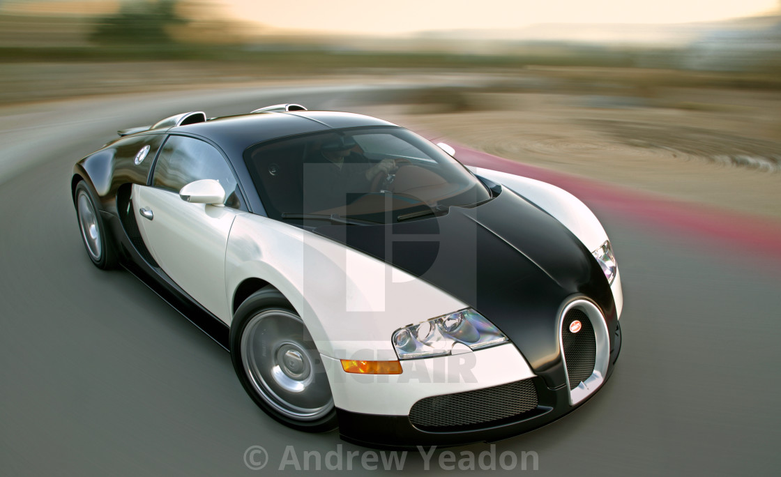 """The World's Fastest Car - The 250mph Bugatti Veyron (2009)"" stock image"