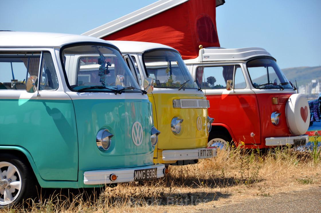 """VW Camper Vans on the beach at Eastbourne beachlife festival 2018"" stock image"