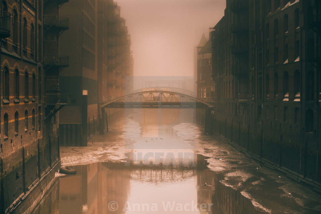 """""""""""City Of Water"""" - Old buildings and bridges at canal in Hamburg, Germany"""" stock image"""