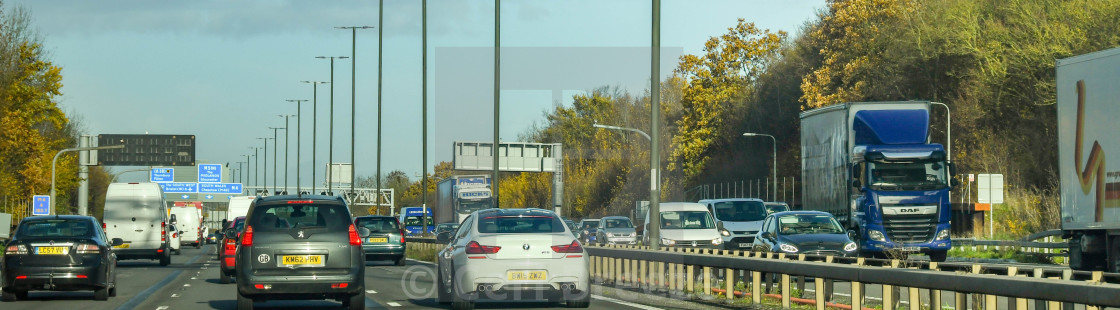 """""""Heavy traffic during the morning rush hour on the M4 motorway near Bristol."""" stock image"""