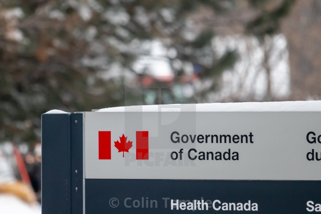 Government of Canada: Health Canada Office Sign