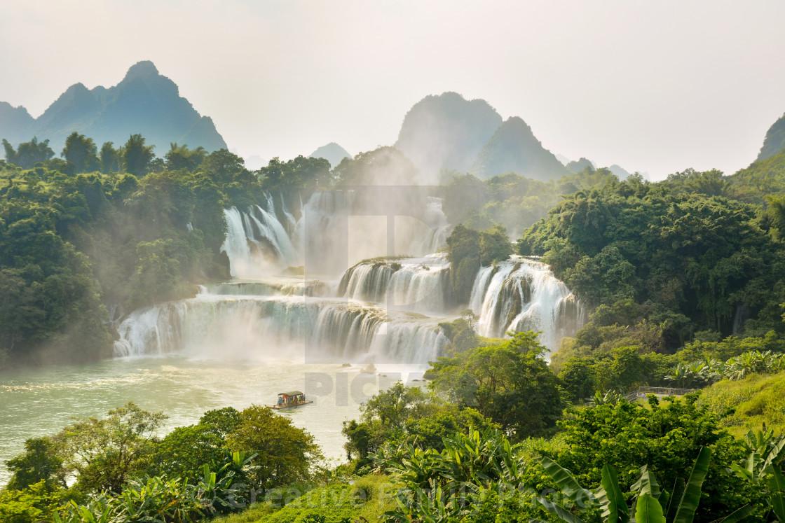 """""""Detian waterfall in Guangxi, China"""" stock image"""