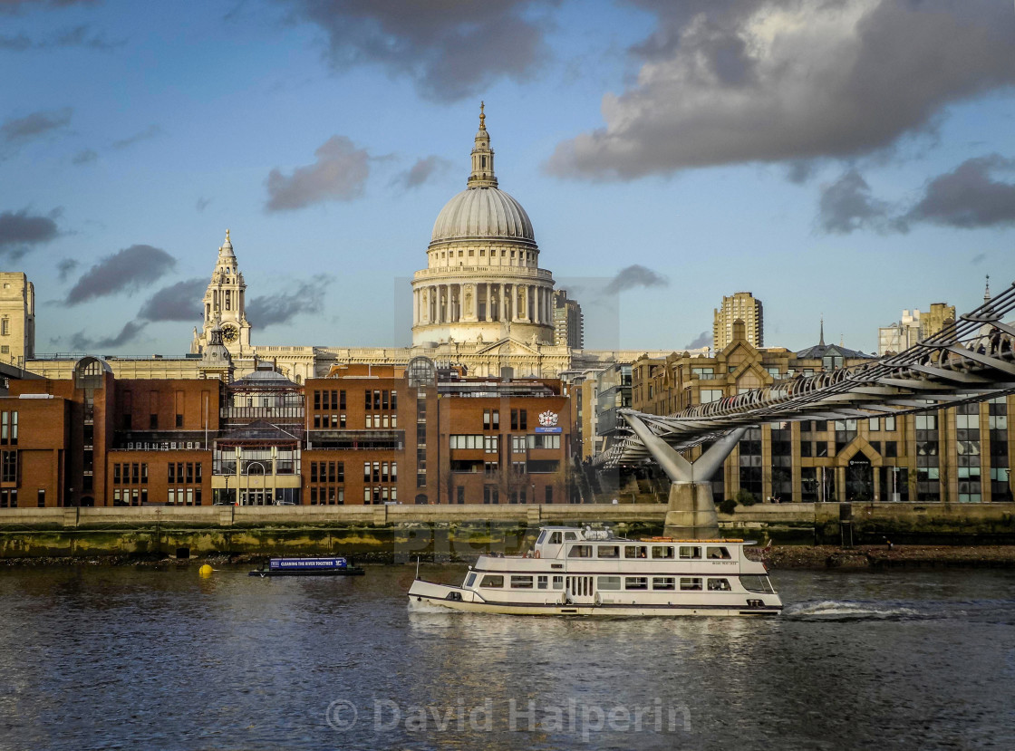 Thames & St. Paul'