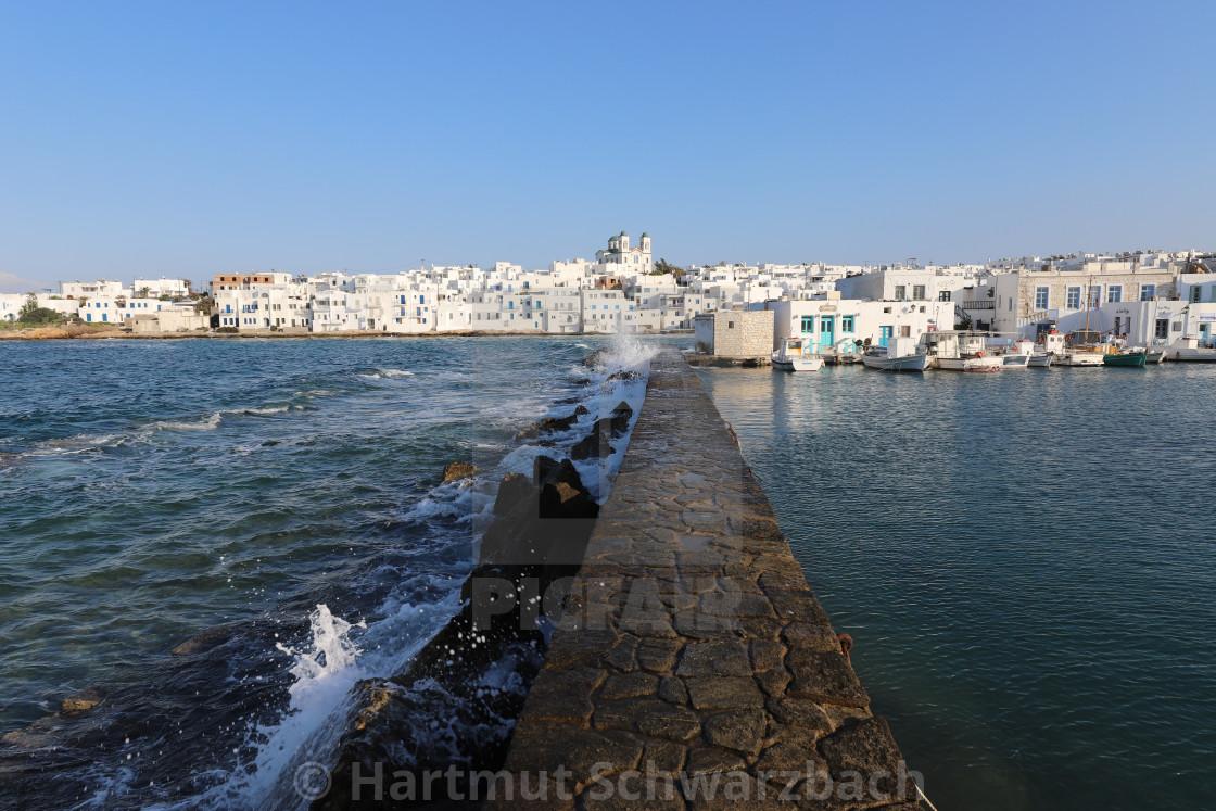 """""""Idyllischer Hafen von Naoussa"""" stock image"""