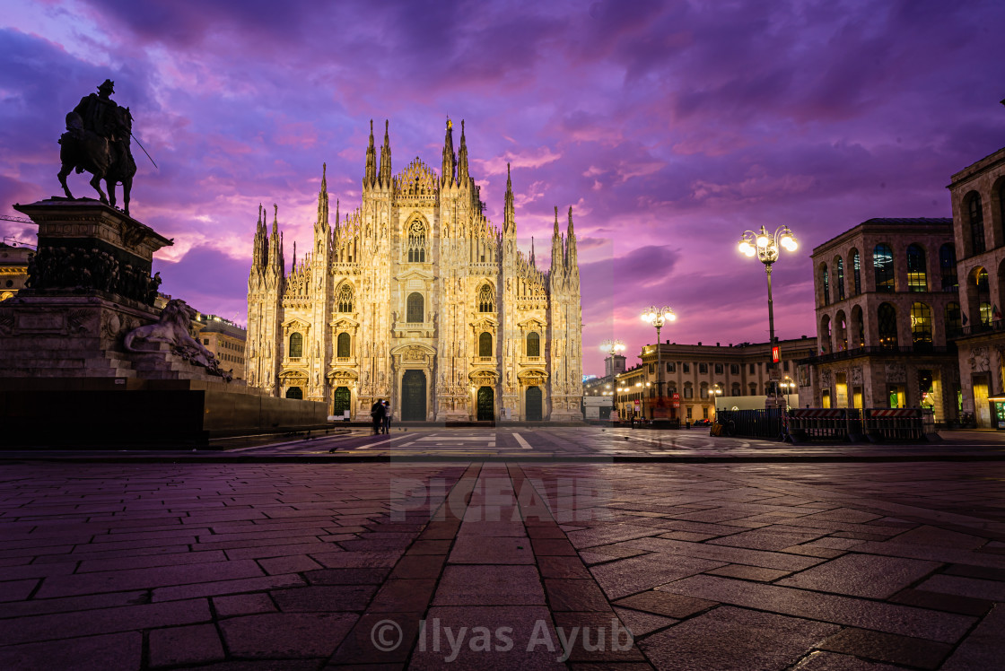 """""""Sunrise at the Piazza Del Duomo, including the cathedral, Milan, Italy"""" stock image"""