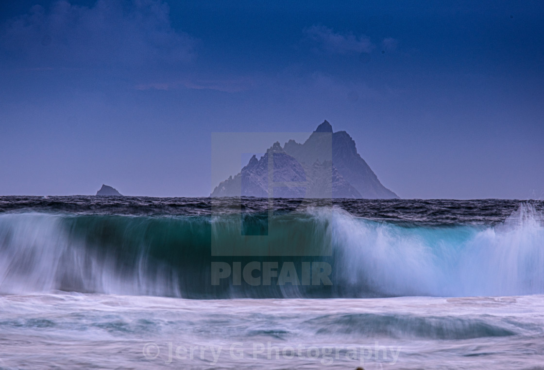 """""""The wave"""" stock image"""