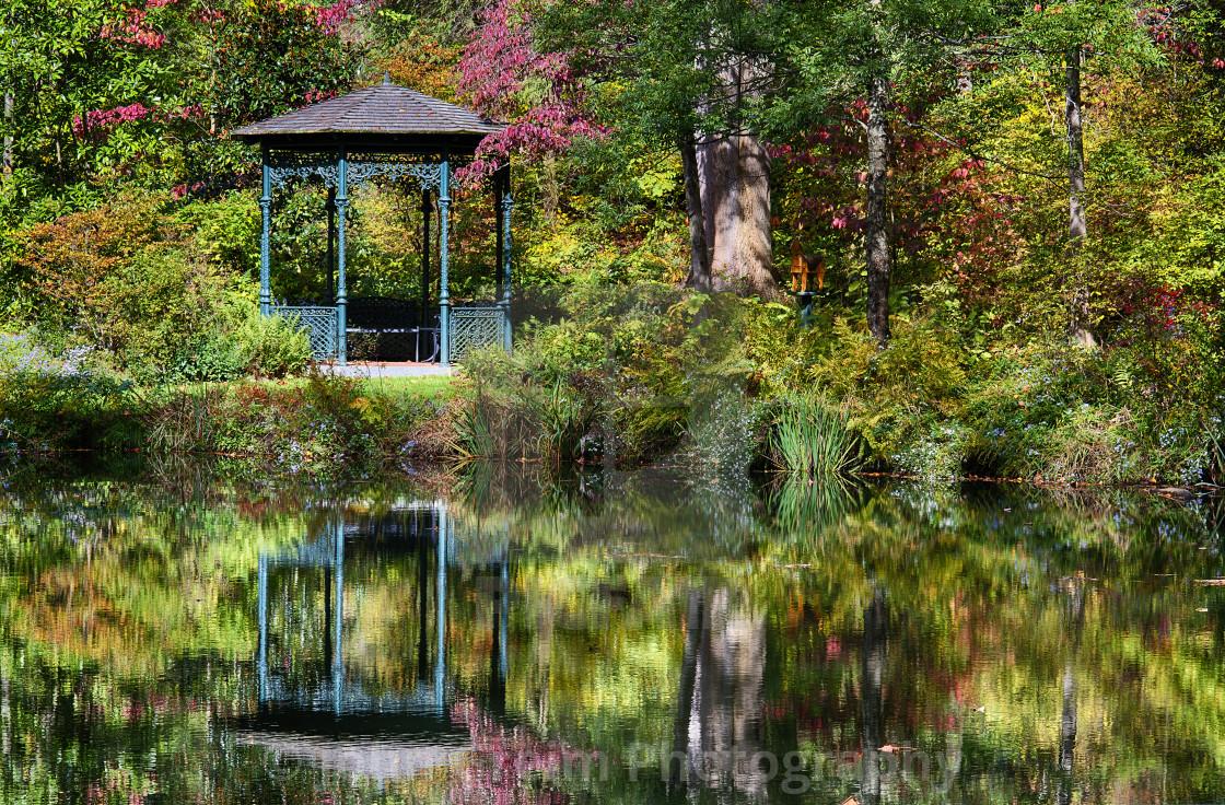 """""""Autumn gazebo, Mt. Cuba Center , Greenvile, Delaware, USA"""" stock image"""
