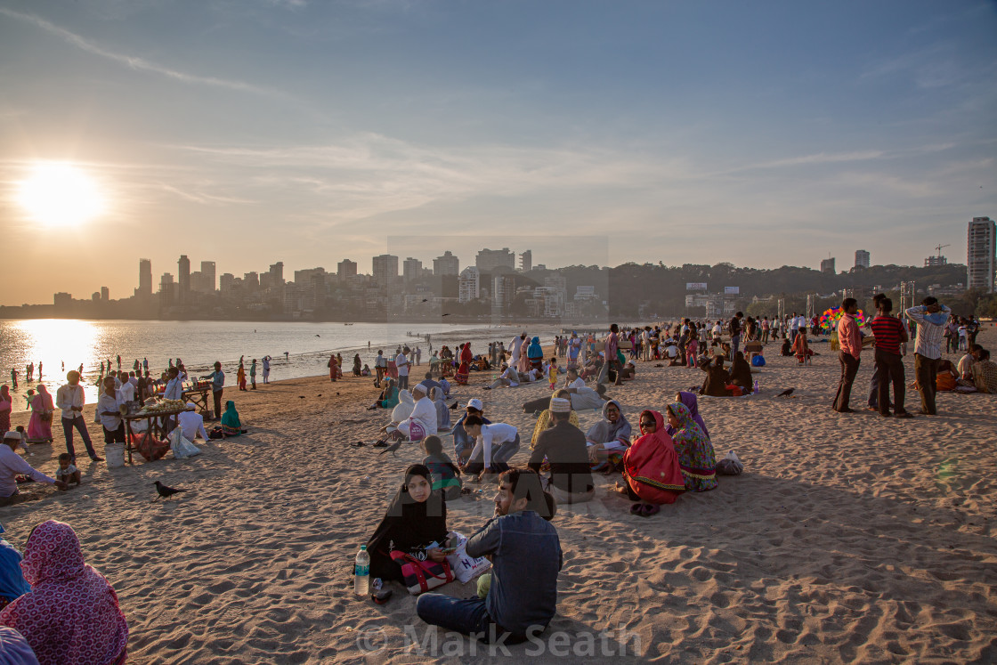 Chowpatty Beach is one of the most famous beaches in Mumbai. - License, download or print for £10.00   Photos   Picfair
