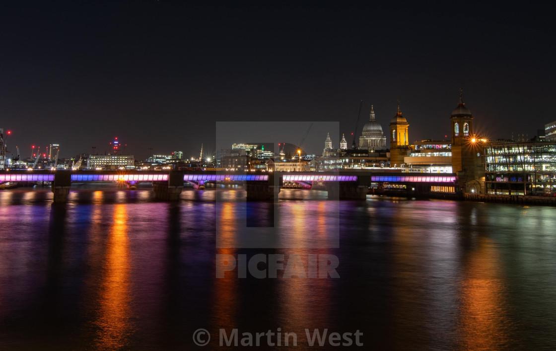 """""""Thames at Night"""" stock image"""