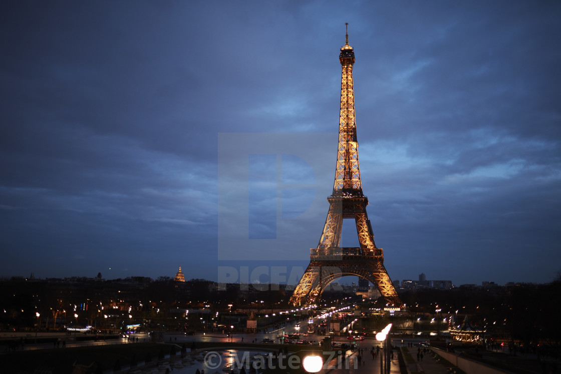 """Tour Eiffel in Paris, blue hour, night"" stock image"