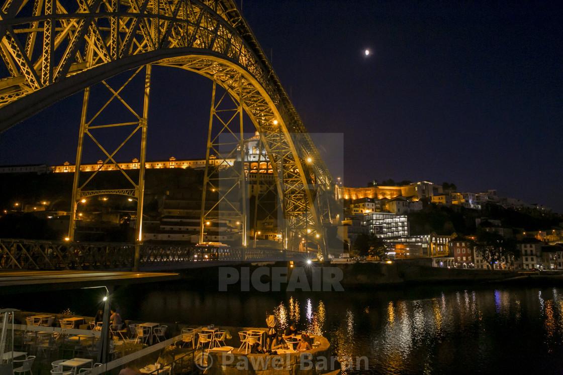 """""""Ponte Luis by night"""" stock image"""