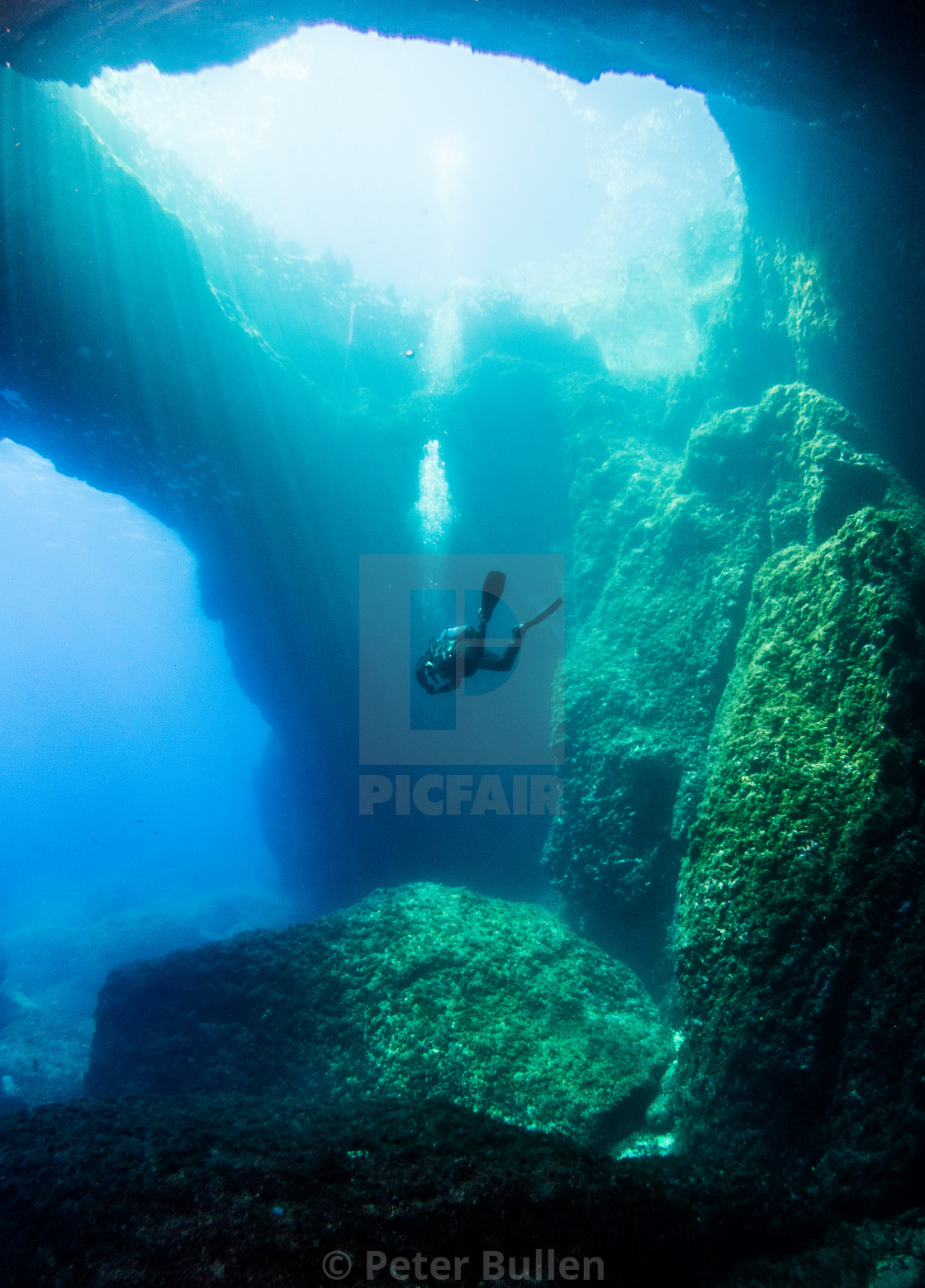 """""""Solo diver Leaving the Blue Hole"""" stock image"""