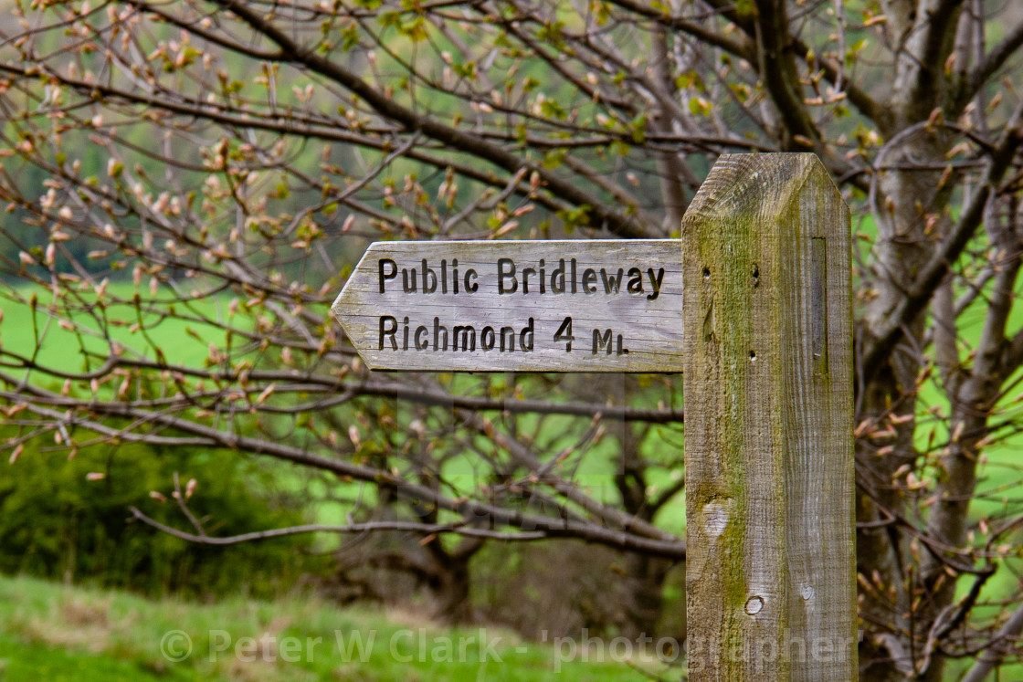 """Public Bridleway Sign to Richmond"" stock image"