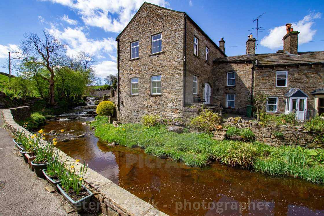 """""""Hawes, Cottages by the side of Gayle Beck"""" stock image"""