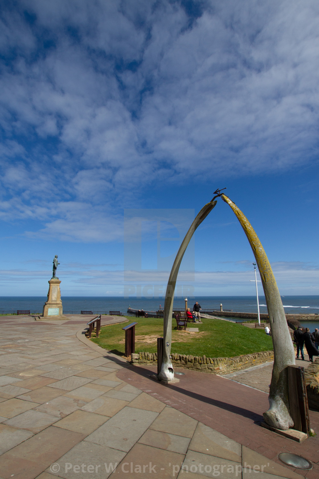 """Whitby,UK,Yorkshire,East coast, Monuments, Captain Cook Statue and the Whalebone Arch."" stock image"