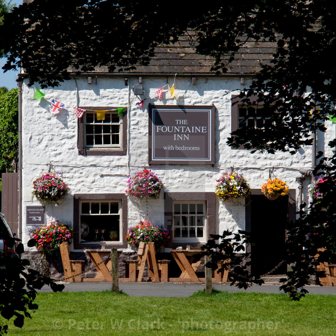 """""""Fountaine Inn, Linton in Craven, Yorkshire Dales."""" stock image"""