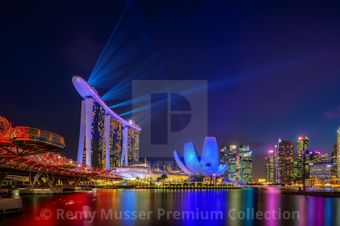 Spectra Light and Water Show Marina Bay Sand Casino Hotel Downto