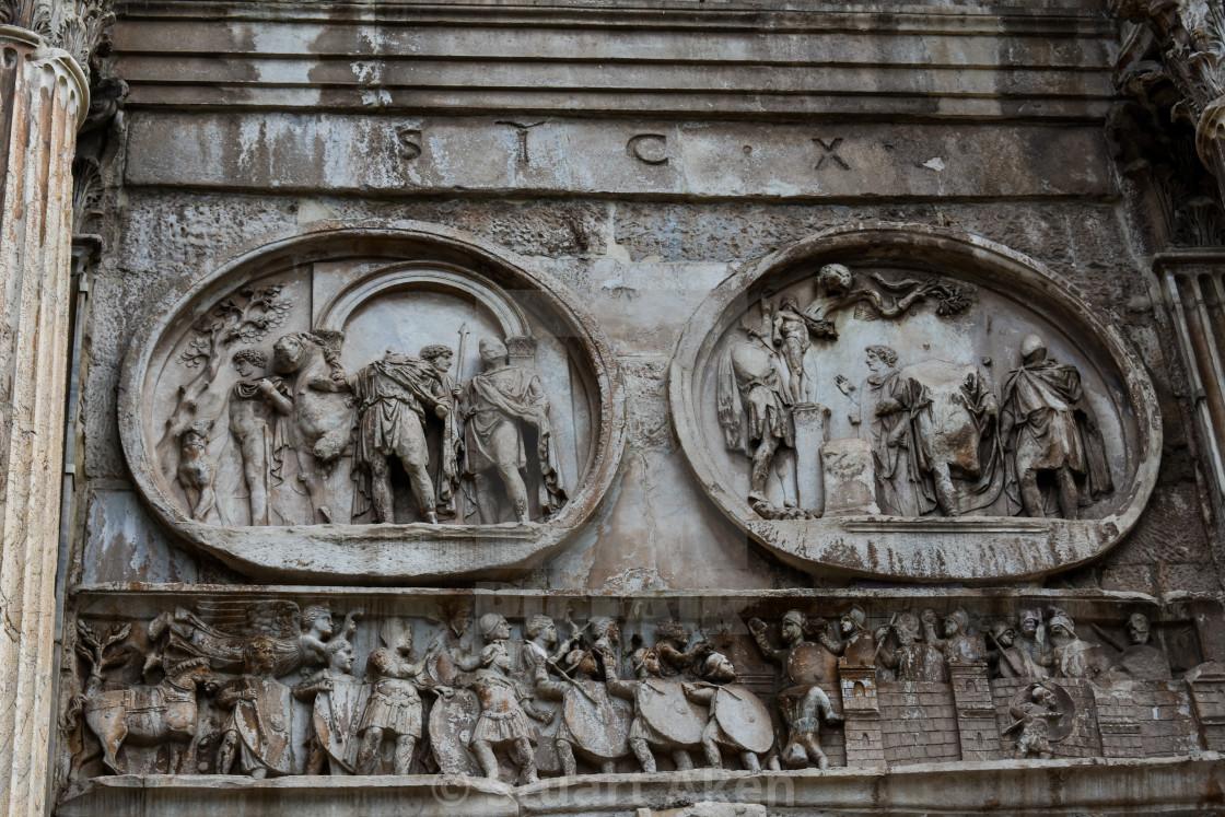 """Sculpture on the Arco Di Constantino"" stock image"