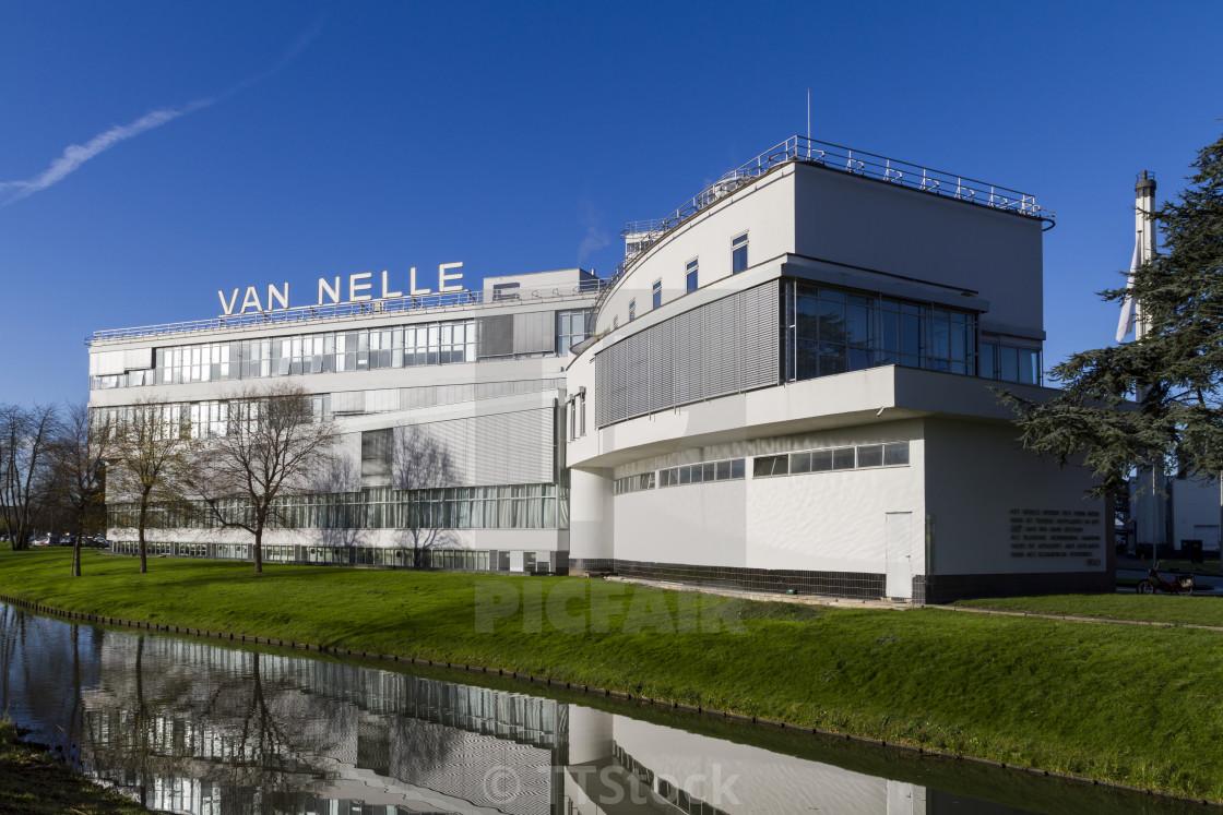 Sunny Van Nelle
