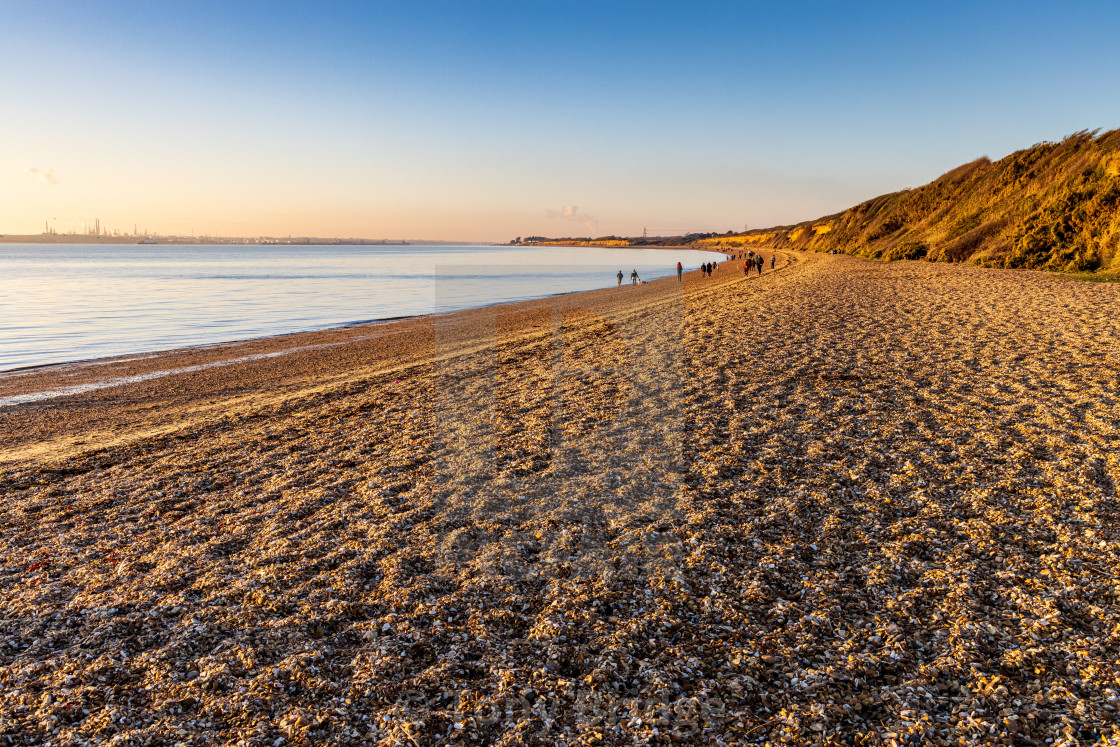 """""""View north along Meon Beach"""" stock image"""