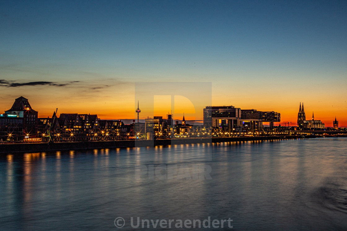 """""""Skyline 