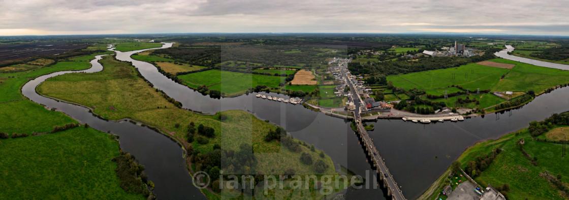 """Shannonbridge The 3 Counties Ireland"" stock image"