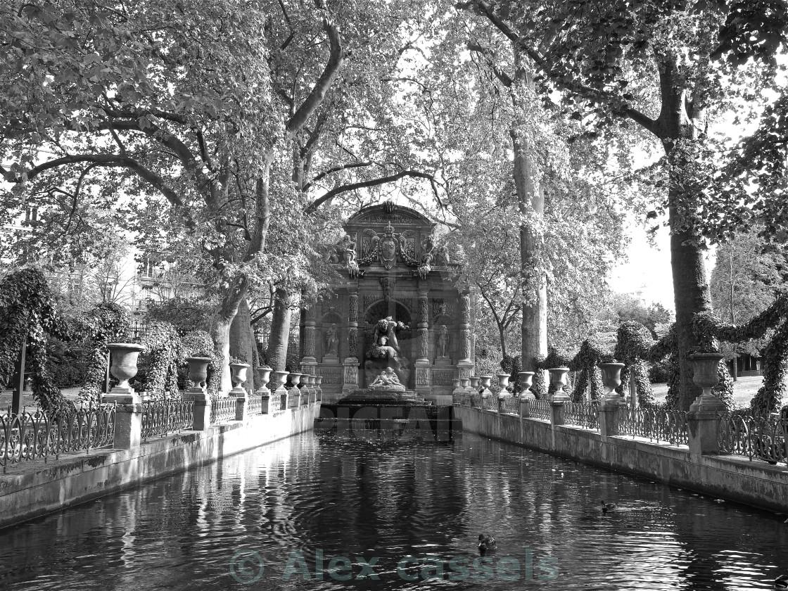 la Fontaine de Medicis - License, download or print for £15.50 ...