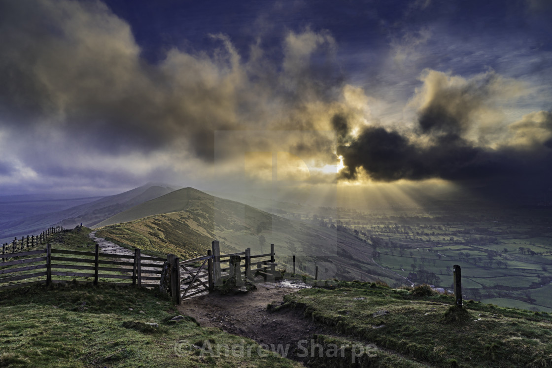 """Hope Valley from the Great Edge, Peak District National Park, Da"" stock image"