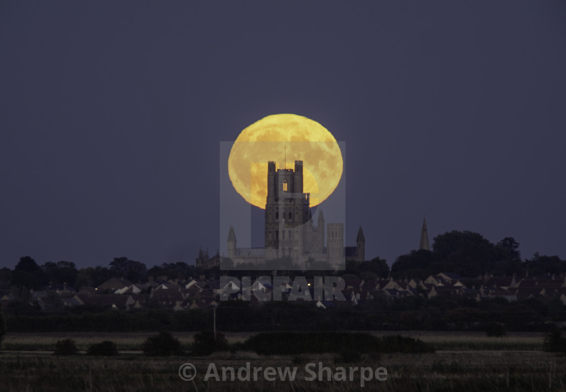 """Harvest Moonrise behind Ely Cathedral, 24th September 2018"" stock image"